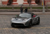 tesla-roadster-red-square