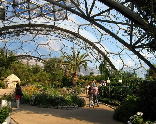 10 самых поразительных садов под крышей
