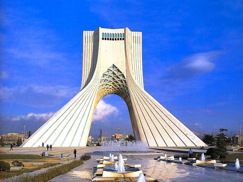 Иран планирует к 2018 году получать 5 тысяч мегаватт ветровой и солнечной энергии