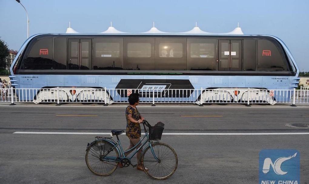 Автобус, который ездит над пробками. Facepla.net последние новости экологии
