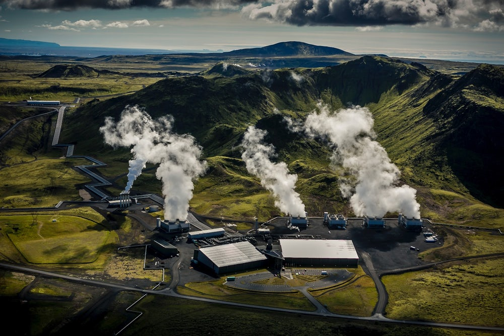 Переработка СО2 в карбонатный минерал. В Исландии открыт первый в мире завод