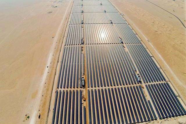 Крупнейший в мире солнечный парк и рекордно низкие цены на солнечную энергию в Дубае