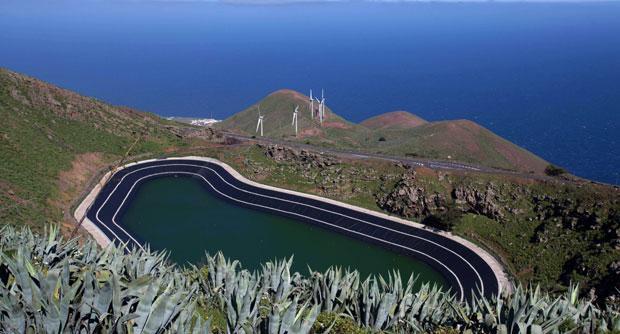 Испанский остров обеспечит себя энергией из возобновляемых источников на 100%