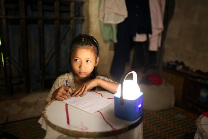 Программа светодиодного освещения «Gift of Light» от Philips. Facepla.net последние новости экологии