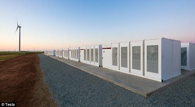 Илон Маск построил крупнейшее энергохранилище вмире и одержал победу спор