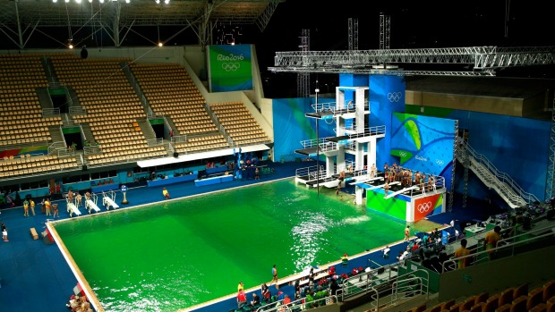 Оргкомитет Игр-2016 разъяснил происхождение зелёной воды волимпийском бассейне