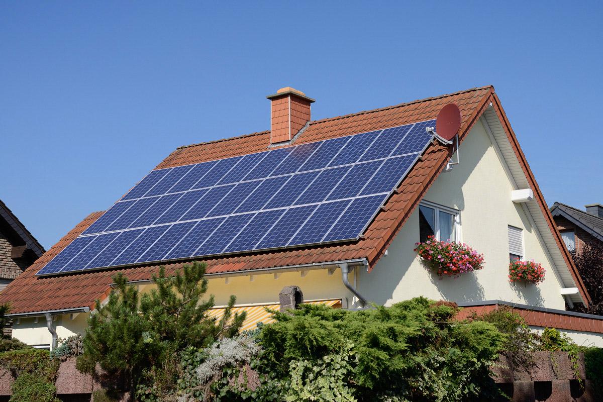 Солнечная энергия, солнечные фермы, модули, панели, батареи: Ученые создали батарею на основе мочевины