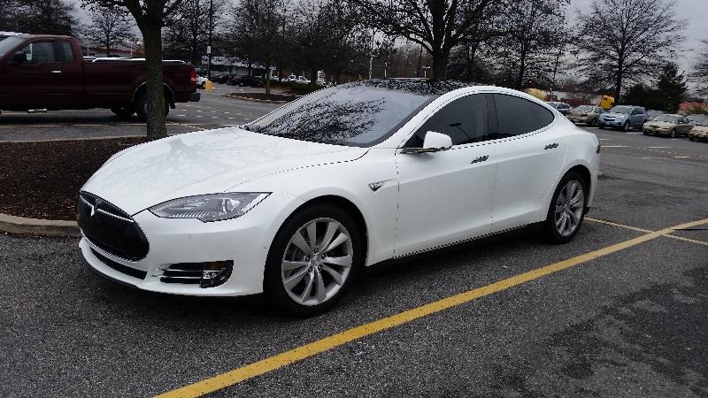 Специалисты смогли получить контроль над электрокаром Tesla Model X