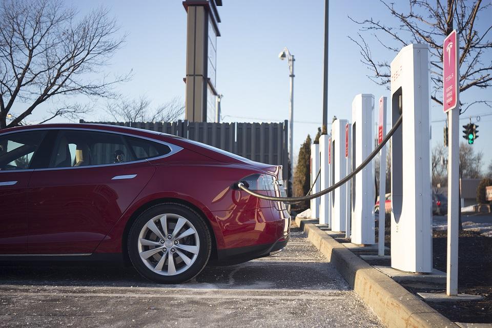 Tesla Model 3 будет стоить 35 тыс. долларов