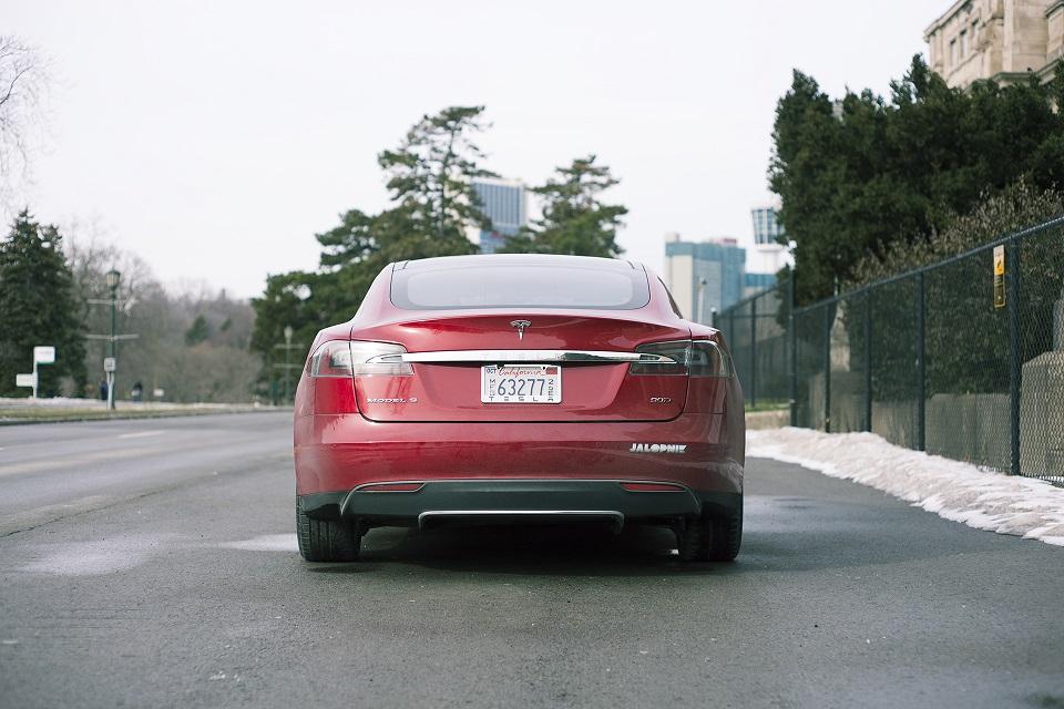 Tesla объявила стоимость электрокара Model 3