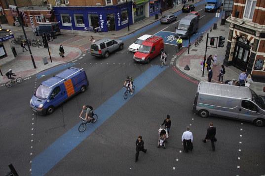 http://www.facepla.net/images/stories/bike/London/London-Bike-Superhighway.jpg