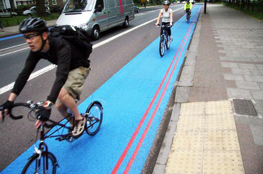 http://www.facepla.net/images/stories/bike/London/bike-blue-lane.jpg