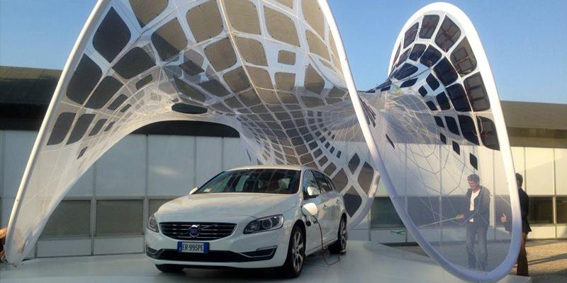 Volvo - навес из солнечных батарей
