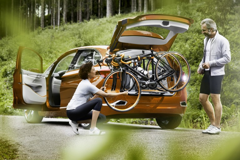 Concept Active Tourer Outdoor – гибрид от BMW для любителей активного отдыха