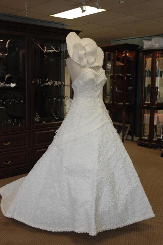 Эко-мода: свадебные наряды из переработанных материалов