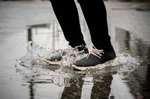 these-sleek-vegan-sneakers-are-100-waterproof