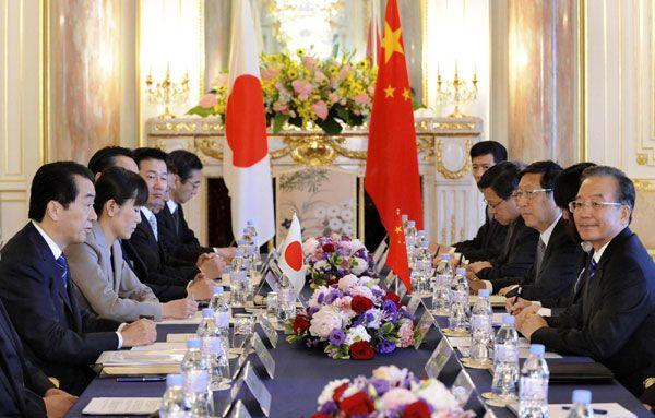 Переговоры между премьер-министром КНР Вэнь Цзябао и премьер-министром Японии Наото Каном