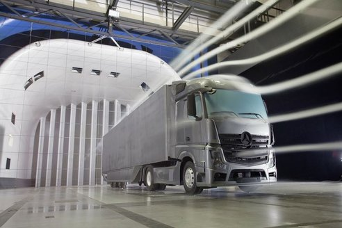 Mercedes-Benz Aerodynamics trailer