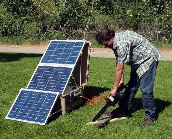 SunTrunks-self-contained-solar-power-system_2
